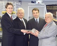Management takes over Wampfler AG