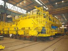 Gießkran in einem Stahlwerk