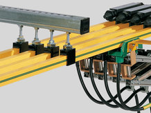 Schleifleitungen mit Aufhängung und Stromabnehmer