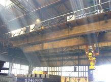 Prozesskran in einem Stahlwerk